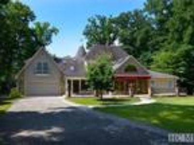 Mountain Estate Has it All - Only 15 Minutes to Highlands, NC