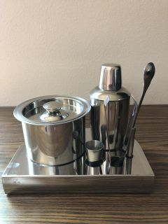5 Piece Stainless Steel Bartender Kit With Organizing Stabd