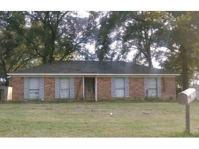 3 Bed 2 Bath Preforeclosure Property in Irvington, AL 36544 - Murray Heights Dr S