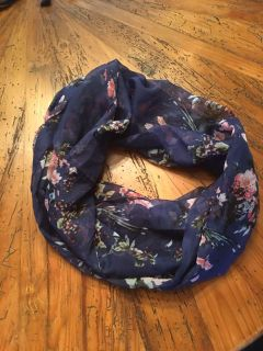 Floral scarf (one size)