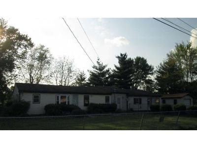 3 Bed 2 Bath Foreclosure Property in Martinsburg, WV 25404 - Belview Dr