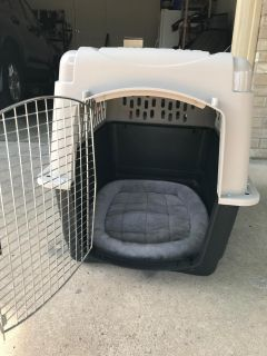Large Pet Kennel with bedding