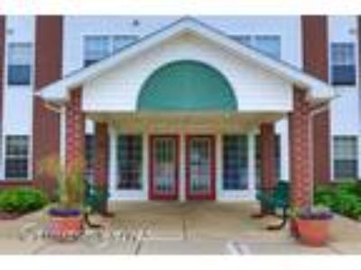 Colonial Woods - One BR