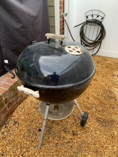 Weber charcoal grill. Works great! Top is slightly scratched but forms a tight seal. PPU, cross posted.