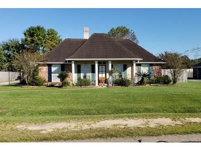 Preforeclosure Property in Denham Springs, LA 70726 - Rolling Meadow Dr