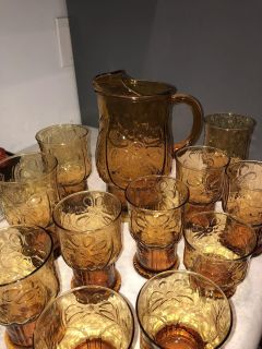 Vintage Amber Indiana Glass Pitcher and glasses. Daisy Pattern. Excellent condition