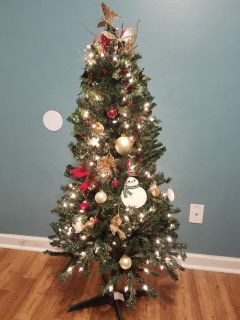 Christmas lot: tree, ornaments, stockings, and wreath