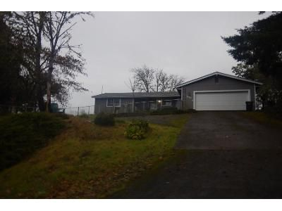 3 Bed 1.5 Bath Preforeclosure Property in Roseburg, OR 97471 - Jonni Ln