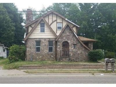 3 Bed 1.5 Bath Foreclosure Property in Canton, OH 44720 - Massillon Rd