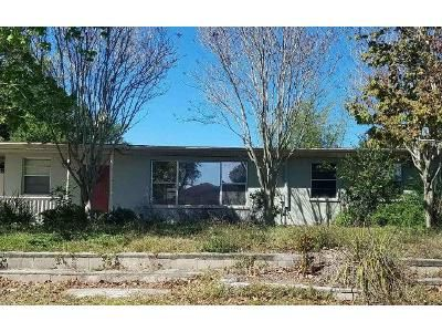 3 Bed 1.5 Bath Foreclosure Property in Melbourne, FL 32935 - Timber Way