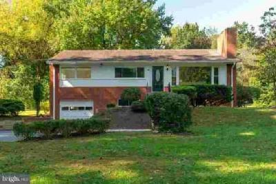 3900 Lake Blvd Annandale Four BR, Great home so close to the