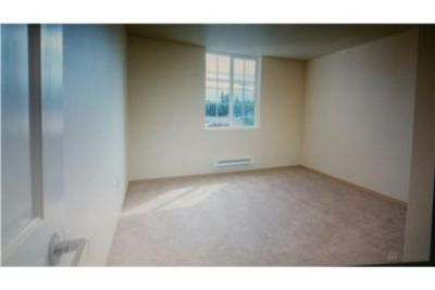 2BDRM CONDO WITH LARGE WALK IN CLOSET