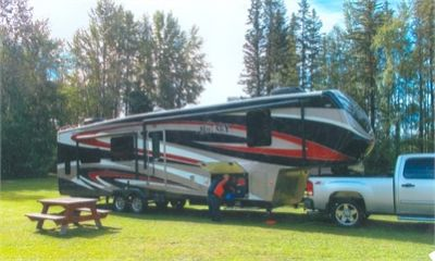 2015 Keystone Big Sky Montana 40' 5Th Wheel