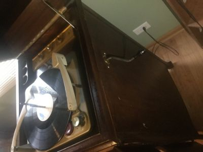 Victor antique 1906? VV XI Victor Victoria Talking Machine Record Player. Beautiful piece. Multi...