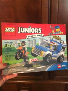LEGO Juniors 90-pc set - Police truck chase