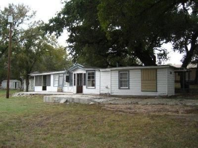 3 Bed 2 Bath Foreclosure Property in Clifton, TX 76634 - County Road 1627