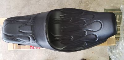 C&C CUSTOM SEAT FOR HARLEY