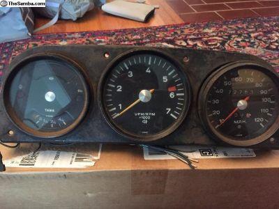Porsche 914 gauge cluster