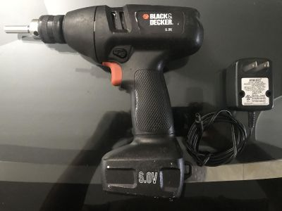 Black & decker drill 6v with charger good condition