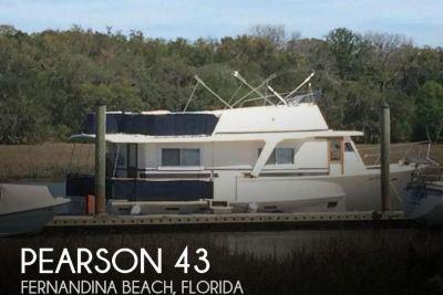 1985 Pearson 43 Motoryacht