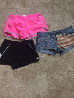 (2) medium workout short and a pair of size 9 jean shorts. Price for all. Must porch pick up near White House middle school. No holds