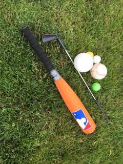 Toy bat, golf club, balls - FREE