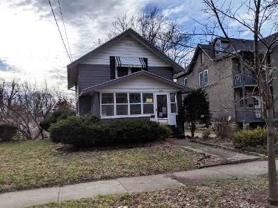 2 Bed 1 Bath Foreclosure Property in Rockford, IL 61103 - Hecker Ave