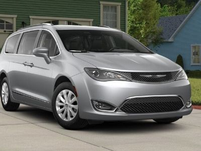 2018 Chrysler Town & Country Touring ()