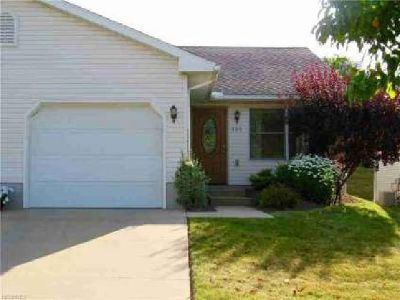 389 Spruce St Barberton Two BR, Great ranch condo - all freshly