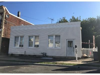 3 Bed 1 Bath Preforeclosure Property in Garfield, NJ 07026 - Lincoln Pl