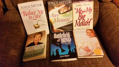 Excellent Condition 5 Joyce Meyer & 1 Sheila Walsh. So uplifting!