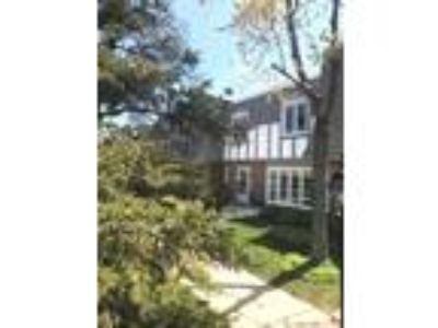 Available Property in HIGHLAND PARK, IL