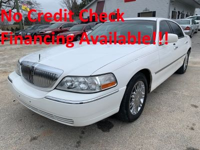 2007 Lincoln Town Car Signature Limited (White)