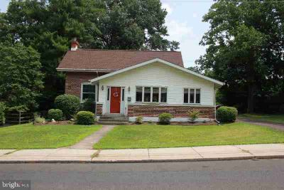 513 S Main St SELLERSVILLE Three BR, Large stately brick home