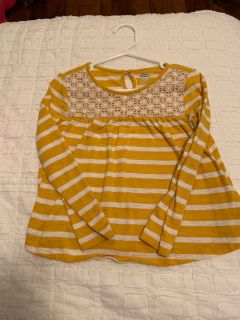 4T old navy long sleeve