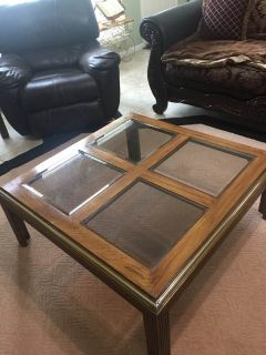 Set of coffee and end tables