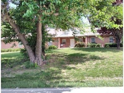 3 Bed 1.5 Bath Foreclosure Property in Kansas City, MO 64129 - E 55th St