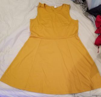 Yellow dress. (Forever 21)