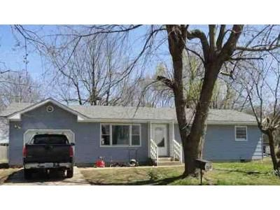 3 Bed 1.5 Bath Foreclosure Property in Aurora, MO 65605 - Ford Dr