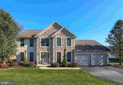 3678 Regency Ln York Four BR, Beautiful 3200 sq ft Colonial