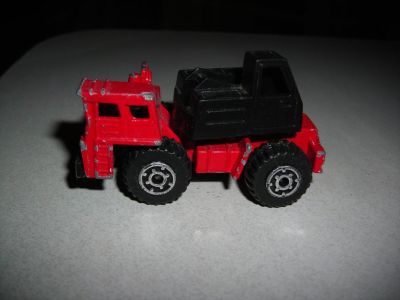 Matchbox 1/90 Red Mobile Crane
