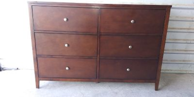 Solid wood tall dresser with 6 huge drawers