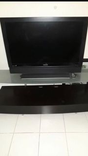 Magnavox 40 inch TV with remote