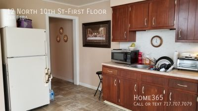 2 Bed 1 Bath Unit with yard on the 1st floor!!