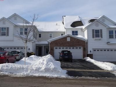 2 Bed 3 Bath Preforeclosure Property in Crystal Lake, IL 60014 - Brompton Ln
