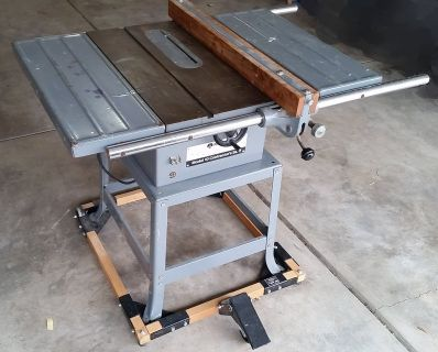 Delta/Rockwell 10-inch Contractor's Table Saw & Stand