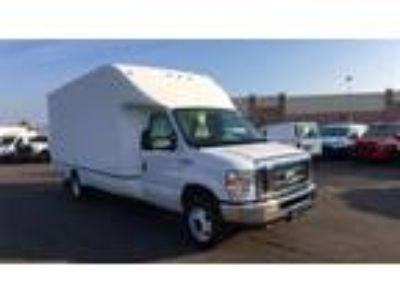 2018 Ford E-350SD Base