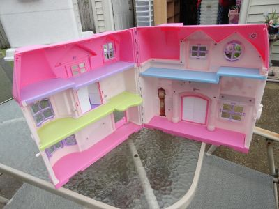 DOLL HOUSE BY YOU AND ME 1 OF 3 PICS