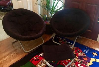 Comfortable gaming chairs with ottoman