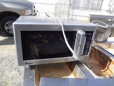 2014 Amana 1000w Microwave 9011314-04